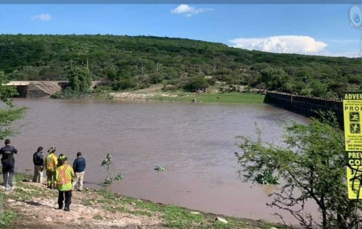 Cae persona de la tercera edad a presa de Cerro Gordo