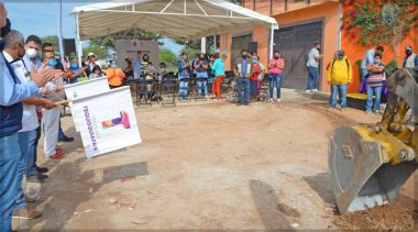 Toño Mejía entrega obras por más de 26 mdp en TX