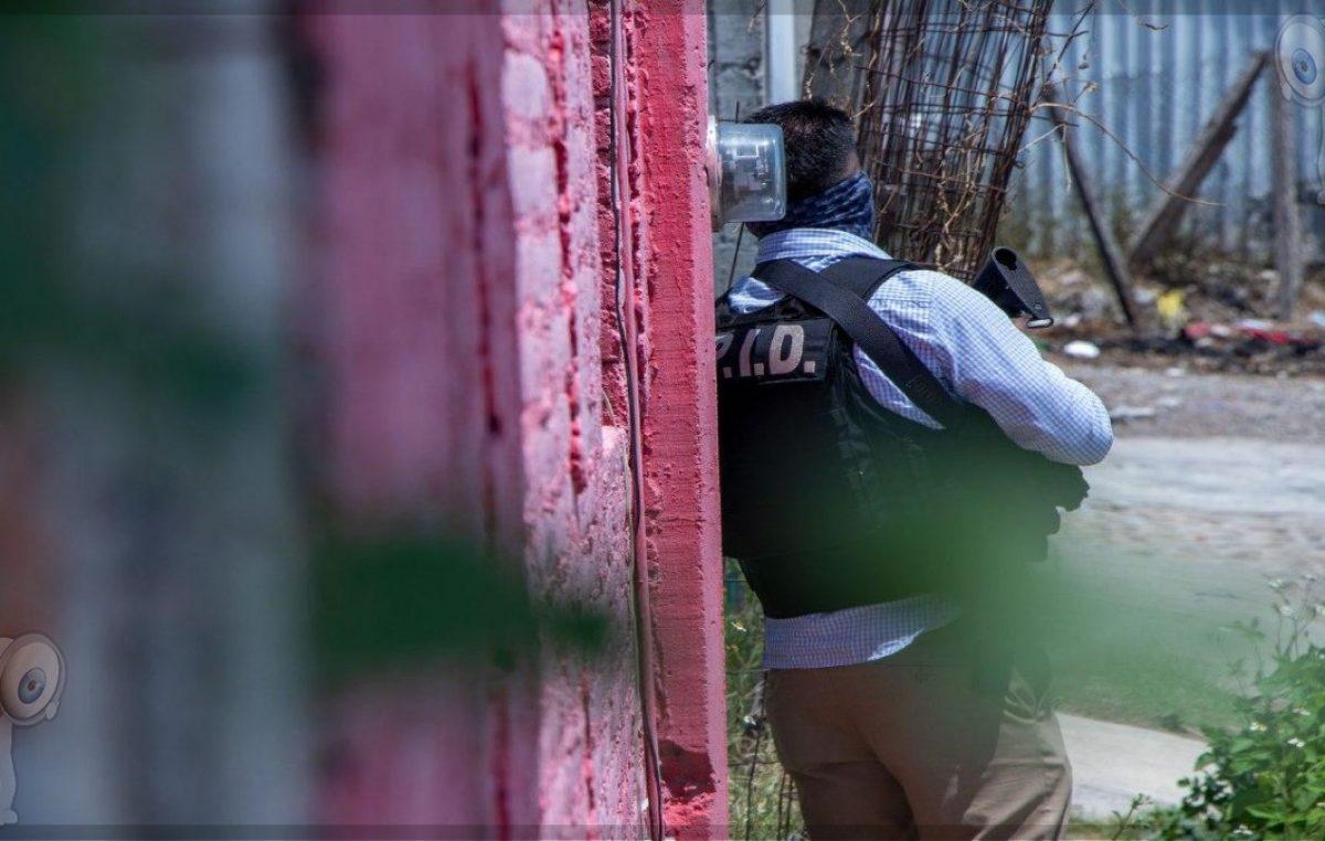 Detienen a sujetos con artículos robados, drogas y armas