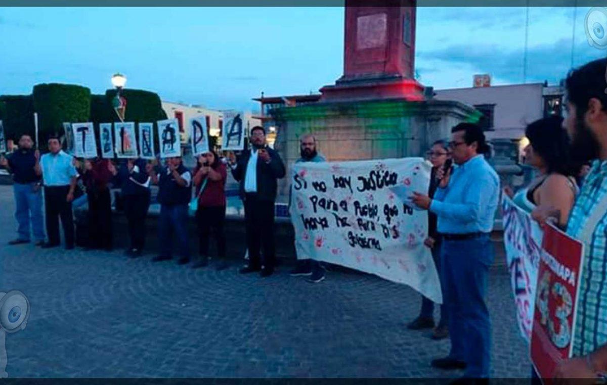 Diputado pide a la FGR inicie investigación contra Murillo Karam por caso Ayotzinapa