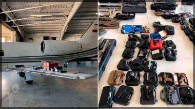 Incautan avión con un arsenal de armas y dinero con destino a Venezuela