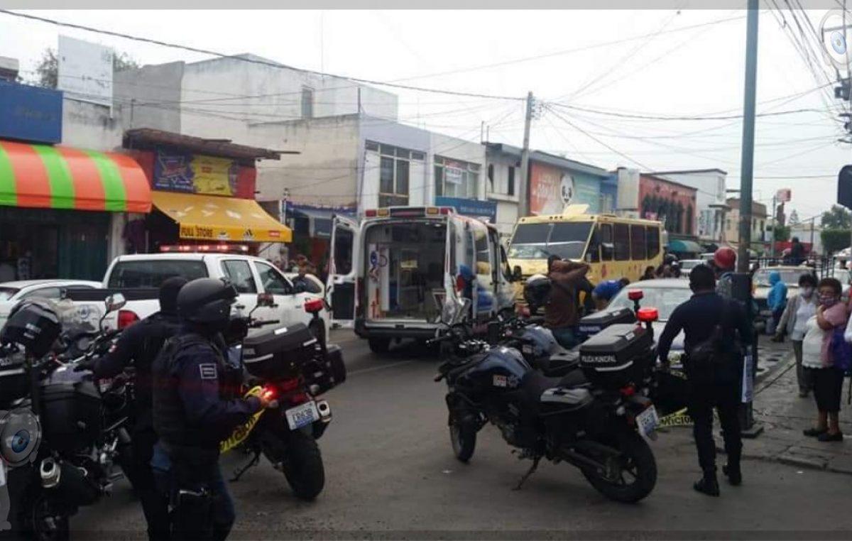 Transporte Público atropella a dos peatones en centro de SJR