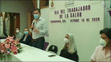 Reconoce Toño Mejía a trabajadores de la salud en TX