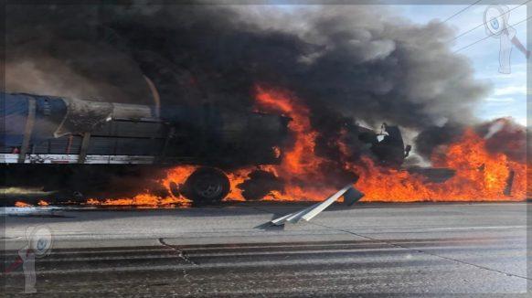 Incendio de tractocamión y choque múltiple en la 57, caos vial