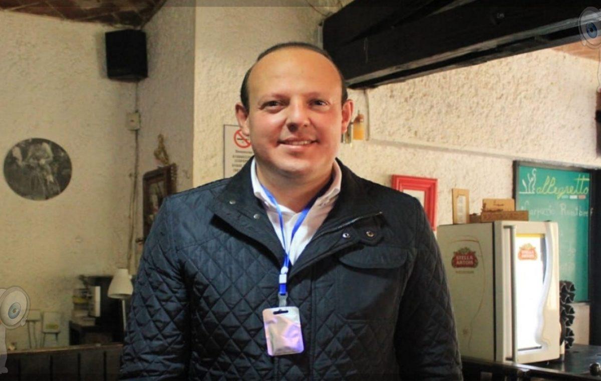 Germain Garfias levanta la mano para ser Presidente Municipal