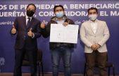 Entregan títulos de propiedad a habitantes de Corregidora y El Marqués