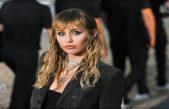 Miley confiesa que ha recurrido al cybersexo