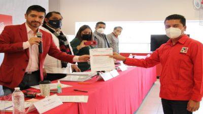 Toño Macías se registra como precandidato a la presidencia Municipal de TX