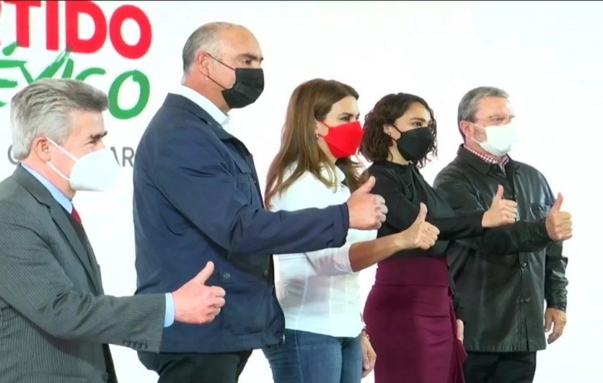 Abigail Arredondo se registra como precandidata del PRI a la gubernatura de Querétaro