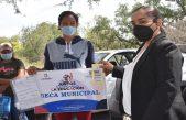 Entregan 210 becas a alumnos de educación básica en Escobedo