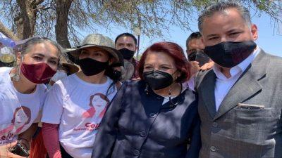 Recorre Celia Maya zonas de SJR en compañía de Santiago Nieto