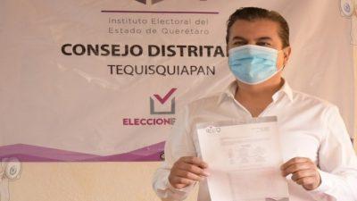 Toño Mejía se registra ante el IEEQ por la vía ciudadana