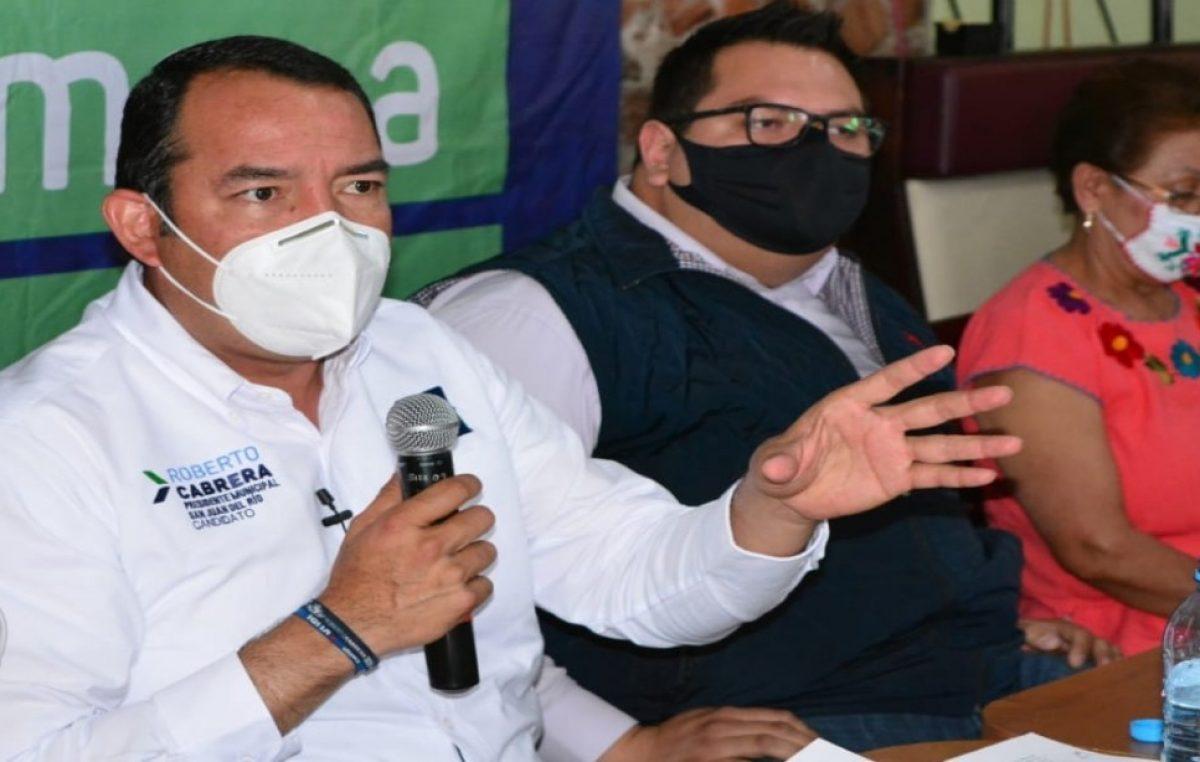 Licencias para comerciantes sin costo: Roberto Cabrera