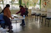 Inicia jornada electoral tardía por falta de personal en casillas