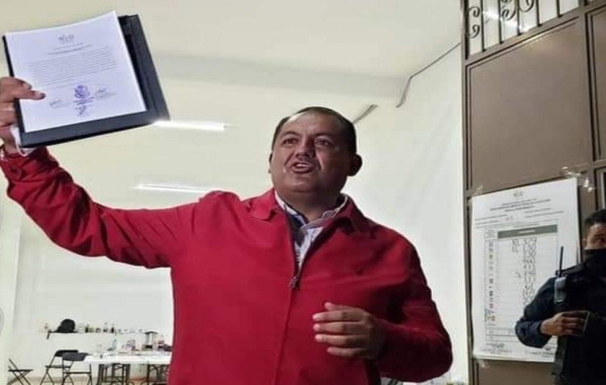 René Mejía triunfa en la elección de Amealco
