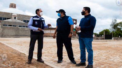 Entrega Memo Vega obra de rehabilitación de calle en Puerta de Alegrías