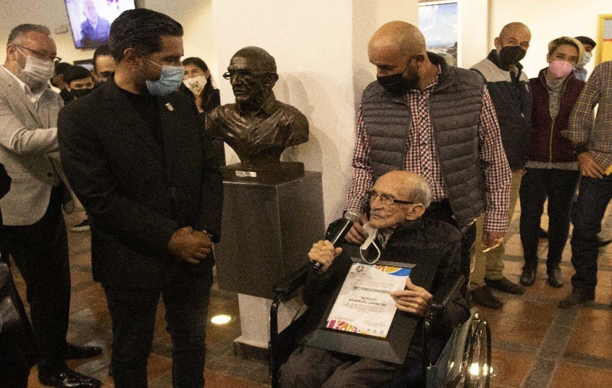 Rinden homenaje a Restituto Rodríguez en el marco del 490 Aniversario de SJR