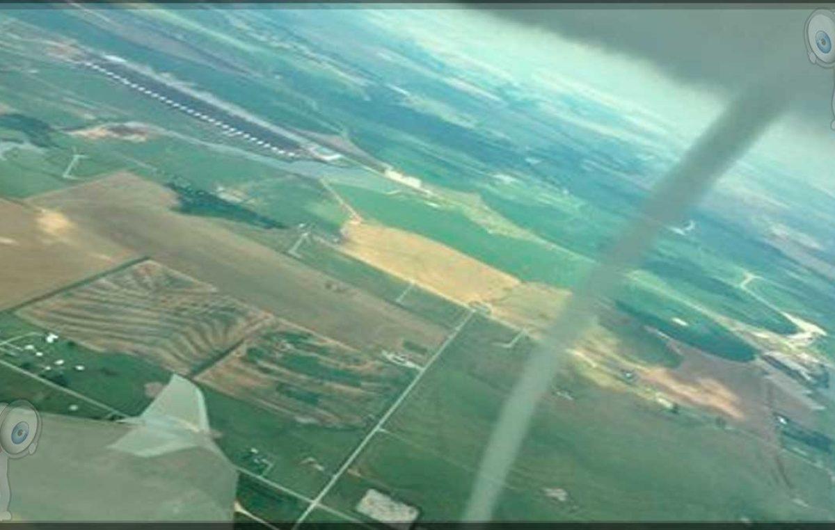 Piloto graba nube en forma de tornado mientras volaba (video)