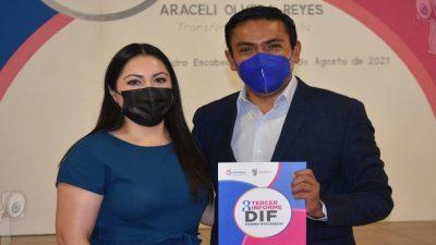 Presenta Araceli Olvera Tercer Informe del DIF municipal en Escobedo