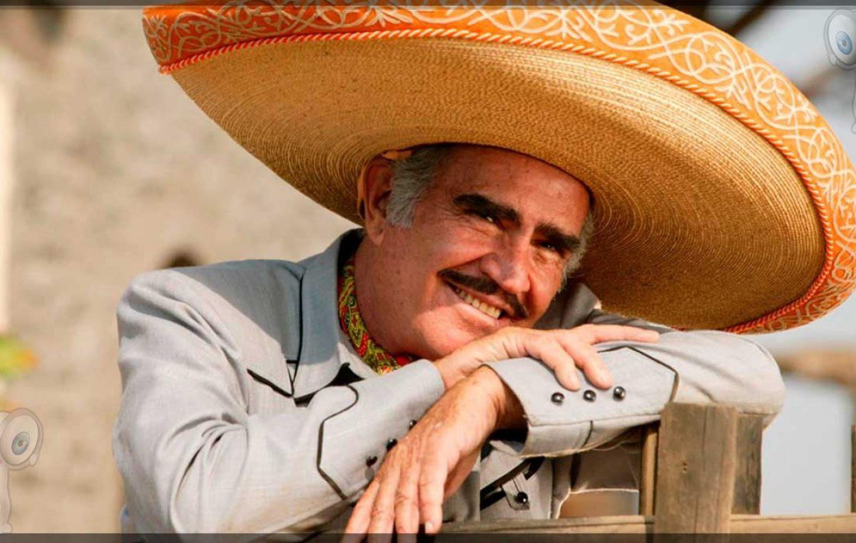 Vicente Fernández es hospitalizado por lesión en las cervicales