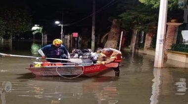 Se inunda Parque La Pila y alrededores en Tequisquiapan