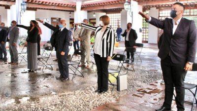En sesión extraordinaria de cabildo Toño Mejía toma protesta a su gabinete