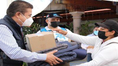 Entrega Toño Mejía y Fundación Telmex apoyo a familias afectadas por inundaciones