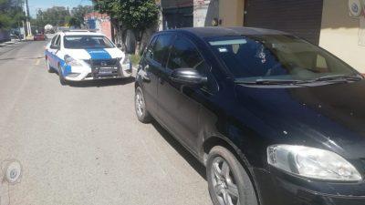 Robo a mano armada en centro de SJR, localizan vehículo donde viajaban los presuntos responsables