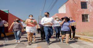 Alcalde Roberto Cabrera y Regidores entregan apoyo en Los Nogales