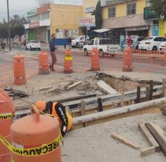 Supervisa Roberto Cabrera obra de dren pluvial en San Juan del Río