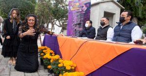 Presentan programa cultural y anuncian apertura de panteones por Día de Muertos