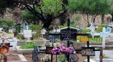 Listos panteones para recibir a familias por Día de Muertos en TX