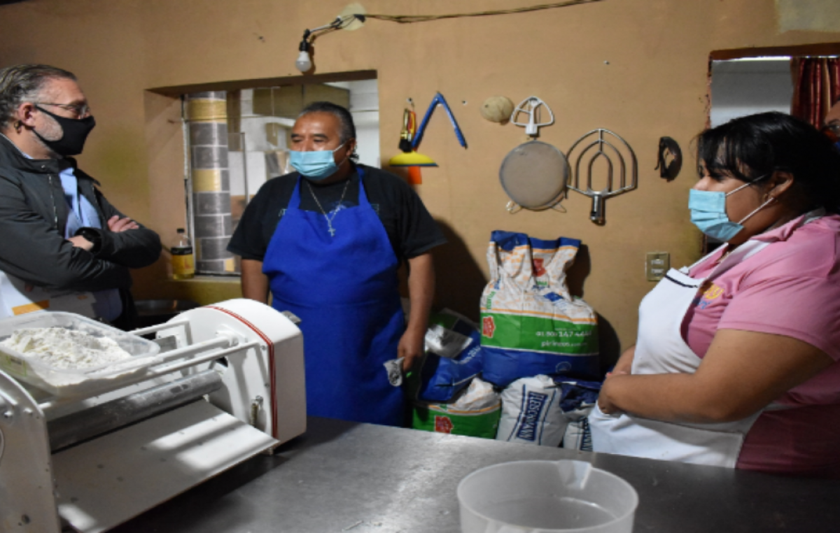 Titular de SEDESU visitó micro empresas en Colón